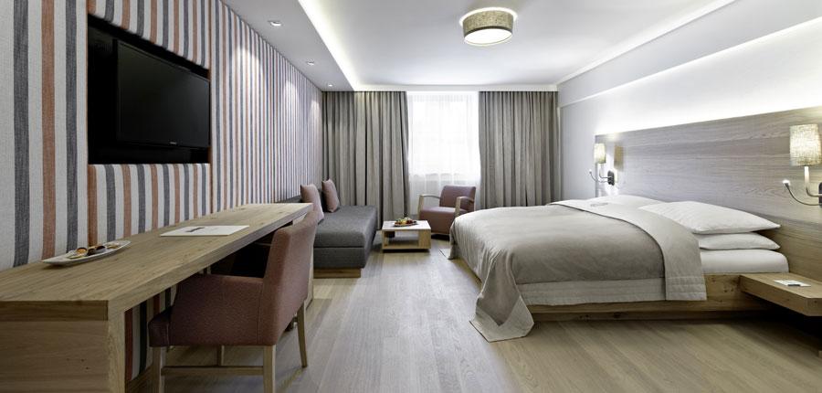 Austria_Kitzbuhel_Hotel-Schwarzer_Adler_bedroom.jpg